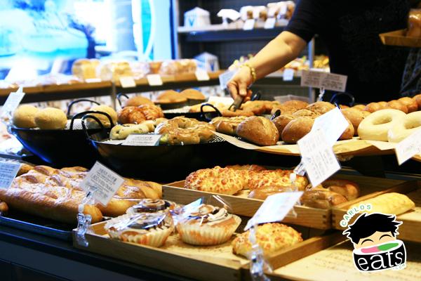 Carlos Eats Seoul: Paris Baguette in Namdaemun