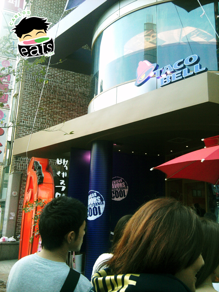 Carlos Eats Seoul: Visiting Taco Bell (타코벨) in Sinchon (신촌동) during their grand opening