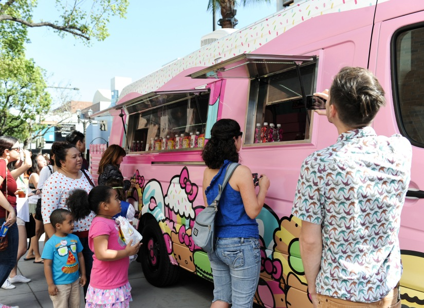 Hello Kitty Cafe Truck comes to Tampa Saturday!