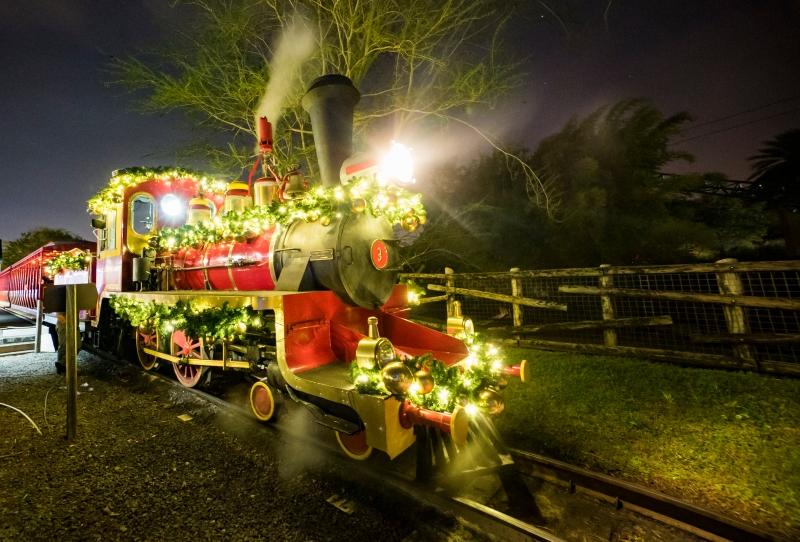 Busch Gardens Christmas Town Now Open Carlos Eats