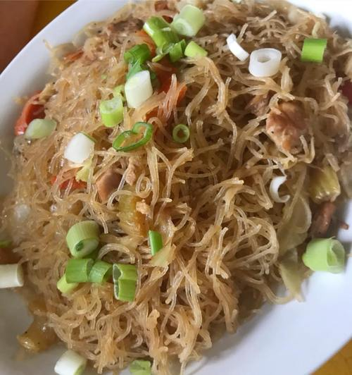 Inay S Kitchen Serves Delicious Filipino Cuisine In West